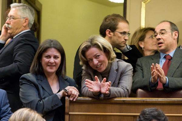 Bromas con la ex ministra Trujillo en el primer pleno