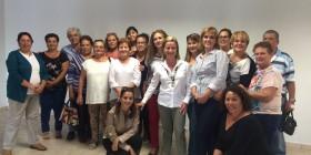 Ana Oramas y un grupo de mujeres de Fasnia
